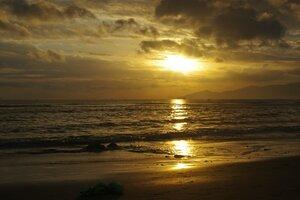 Рассвет и море